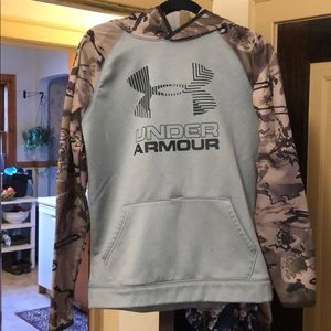 Like new under armour hoodie
